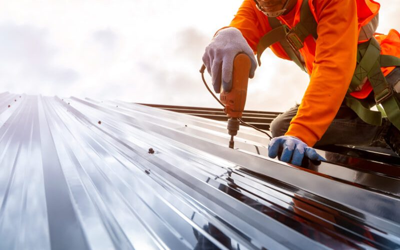 The Expert's Guide to Choosing Your Next Industrial Roofing Contractor